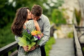 Nimeni nu are dragoste ca a noastră florisdana